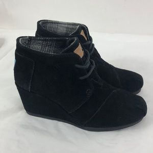 Toms Black Suede Desert Wedge Booties Womens